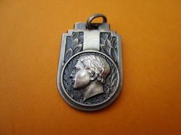 Médaillon De Collier/Pour Manifestations Sportives/Offert Par Paris-Normandie/Bronze Estampé Nickelé/ Vers 1950   SPO275 - Deportes