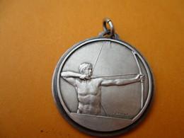 Tir à L'ARC/Médaillon De Collier/Tireur Arc Bandé/ Bronze Estampé Nickelé/ FRAISSE/ Vers 1970-1980  SPO279 - Tir à L'Arc