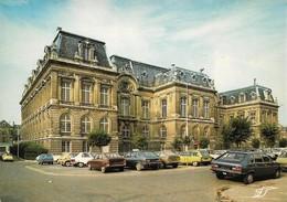 02 Saint Quentin Palais Fervaques Avec Automobiles Renault  Peugeot Et Citroën  (2 Scans) - Saint Quentin