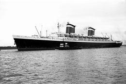 7X5 PHOTO OF UNITED STATES AT SOUTHAMPTON 60S - Boats