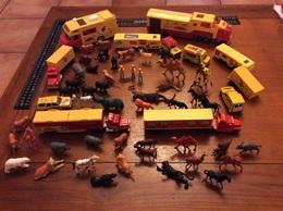 Gros Lot Majorette Pinder Avec Figurines Et Animaux - Auto's, Vrachtwagens, Bussen
