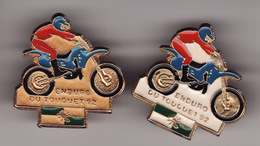 2 PIN'S -- ENDURO DU TOUQUET  92   ( Dép 62 ) 1 BLANC Et 1 DORE ( Le Seul Sur DELCAMPE ) - Motorbikes
