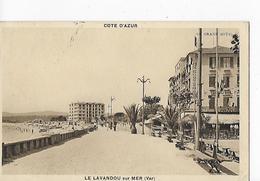 """2 CPSM Petit Modèle  Le Lavandou : Le Grand Hôtel + Bar """"Le Goéland"""" Avec Voitures, Animation - Le Lavandou"""