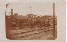 WAHREN Bei Leipzig Bahnhof Dampflok + Personal Original Private Fotokarte 15.7.1919 Gelaufen Nach Oberelsdorf B Lunzenau - Gares - Avec Trains