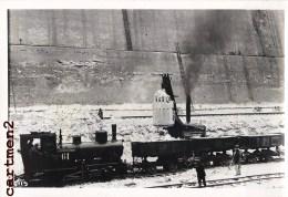 TRAIN LOCOMOTIVE CONSTRUCTION DES ECLUSES DE LANAYE RIVE SUD CHANTIER TRAVAUX PUBLIC CONSTRUCTION GENIE CIVIL 1933 - Liege
