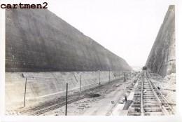 LANAYE VROENHOVEN MEUSE HEER CANAL TRANCHEE CHANTIER TRAVAUX PUBLIC CONSTRUCTION GENIE CIVIL Peniche - Belgio