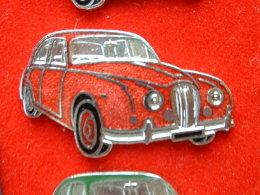 PIN'S ANCIENNE JAGUAR - ROUGE - EMAIL - Jaguar