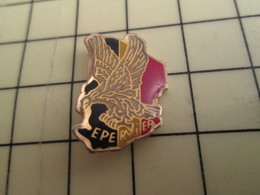 Pin811f Pin's Pins / Beau Et Rare : Thème MILITARIA / ARMEE FRANCAISE DEFENDANT LA FRANCAFRIQUE OPERATION EPERVIER - Army