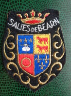 ECUSSON TISSU BRODE DE SALIES DE BEARN - Patches