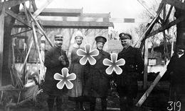 1 PHOTO(RETIRAGE) 1918 ST GERMAIN DES FOSSES MEMBRES DU PERSONNEL DE LA CROIX ROUGE - Reproductions