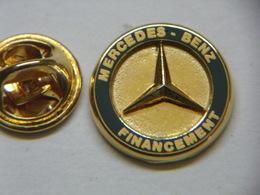 Pin's - Automobile MERCEDES - MERCEDEZ-BENZ Financement - Mercedes
