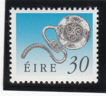 Ireland 1990-95 MNH Scott #780 30p Enamel Latchet Brooch Art Treasures - 1949-... République D'Irlande