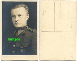 Fotokarte, Offizier Uniform Orden, Prag Tschechoslowakei Um 1930 - Altri