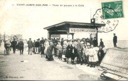 N°915 A -cpa Saint Aubin Sur Mer -vente Du Poisson à La Criée- - Saint Aubin