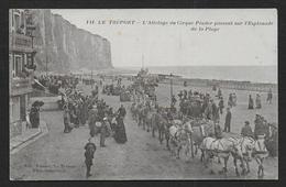 LE TREPORT - L' Attelage Du Cirque Pinder Passant Sur L' Eplanade De La Plage - Le Treport