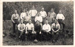 CPA 2197 - MILITARIA - Carte Photo Militaire - Football - Prisonniers De Guerre Stalag VI. G Allemagne Pour ANTONY - Personnages