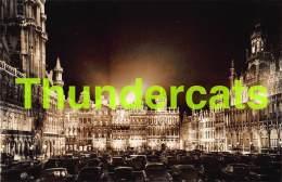 CPA  PHOTO BRUXELLES GRAND PLACE LA NUIT - Marktpleinen, Pleinen