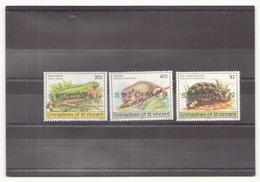 Grenadines 1979 N° 159 / 161 ** ( Surcharge Spécimen ) - St.Vincent & Grenadines