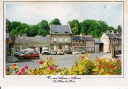 02-vic Sur Aisne La Place Du Port Cpm - Vic Sur Aisne
