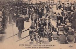DANEMARK / VISITE DES SOUVERAINS DANOIS A PARIS / ARRIVEE A LA GARE DU BOIS DE BOULOGNE - Familles Royales