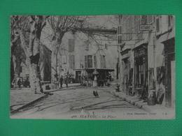 CP FLAYOSC LA PLACE (83 Var) ANIMEE 1909 DEVANTURE RESTAURANT BAR LA LIBERTE HOMMES ENFANTS FEMMES FONTAINE COQ POUSIN - France