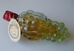 - Ancienne Bouteille D'eau De Vie En Forme De Grappe De Raisin. EIGARDENT - Bouteille Pleine - RARE - - Autres Collections
