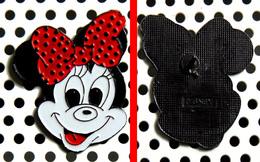 1 Pin's Disney La Tête à Minnie Métal Cloisonné Peint - Disney