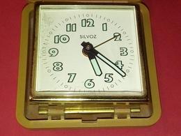 VINTAGE ANCIEN RÉVEIL MÉCANIQUE DE POCHE GERMANY  MARQUE SILVOZ - Alarm Clocks