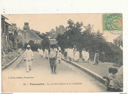MADAGASCAR LA RUE DES CANONS ET LA CATHEDRALE CPA BON ETAT - Madagascar