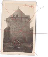 Notre Dame De Cénilly (50). Chateau Marcambye , 2 Ouvriers Restaurant La Tour.femme Avec Un Pot à Lait.machine Agricole. - Autres Communes