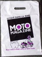 SAC MOTO MAGAZINE ÉDITEUR PLASTIQUE PUBLICITAIRE 41X29cm SACCUPLASTIKOPHILE COLLECTIONNEUR PUBLICITÉ - SITE Serbon63 - Books, Magazines, Comics