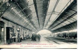 N°976 A -cpa Lannemezan -intérieur De La Gare- - Gares - Avec Trains