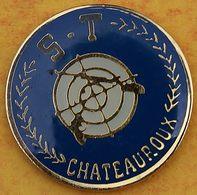 DD 41....  ECUSSON DE CLUB DE TIR.... ..S T  ...CHÂTEAUROUX.........département De L'Indre - Badges