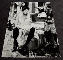 "SOPHIA LOREN In "" Lady L "" - Altes Presse-/Filmfoto Ca. 16,5 X 22 Cm - 181140 - Célébrités"