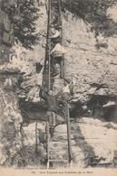 Une Capture Aux Echelles De La Mort - Douane Douaniers - Dogana