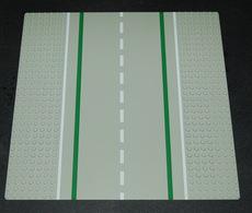 Lego Baseplate 32x32 Route Avec Ligne Blanche Et Verte Ref 80547pb01 - Lego Technic