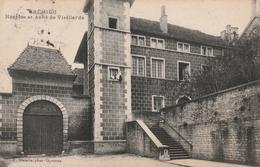 Carte Postale Ancienne De L'Isère - Crémieu - Horloge Et Asile De Vieillards - Crémieu