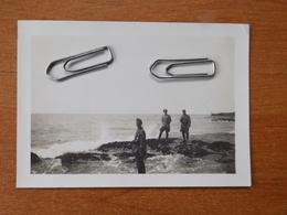 WW2 GUERRE 39 45 PREFAILLES PORNIC PHOTO SOLDAT ALLEMAND DOUANIERS EN PATROUILLE PECHE AU CARRELET AU FOND - 1939-45