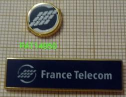 FRANCE TELECOM  LOGO Lot De 2 Pin's ARTHUS BERTRAND - France Telecom