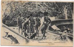 CPA Nouvelles Hébrides Circulé Type Voir Scan Du Dos Marchands De Porcs Pig - Vanuatu