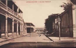 CPA Diégo Suarez La Rue Flacourt YT 179 CAD Madagascar Dec 31 Dans Texte 19 12 1931 Pour Nice - Madagascar
