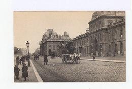 Paris. Ecole Militaire. Façade Principale. Omnibus à Chevaux, Avec Impériale. (2934) - Enseignement, Ecoles Et Universités