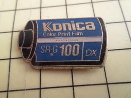 Pin513J Pin's Pins / Rare Et Beau THEME PHOTOGRAPHIE / ROULEAU DE PELLICULE KONICA SR-G100 DX - Photography