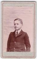 Ancienne Photo Portrait Format CDV Enfant En Costume - Personnes Anonymes
