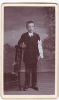 Ancienne Photo Portrait Format CDV Enfant Communion Brassard (P. Martin, Chateaubriant) - Personnes Anonymes