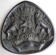 Médaille En Bronze De 1966. BRIGITTE BARDOT Avec 10 Titres De Films 1956 à 1965, Gravée Par C. LESOT - France