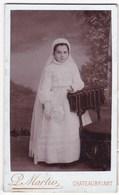 Ancienne Photo Portrait Format CDV Jeune Fille Communion (P. Martin, Chateaubriant) - Personnes Anonymes