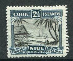Niue 1932-36 Pictorials - Wmk. NZ & Star - 2½d Islanders Working Cargo HM (SG 65) - Niue