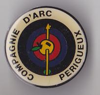 PIN'S THEME SPORT  TIR A L'ARC  CLUB DE PERIGUEUX EN DORDOGNE - Archery