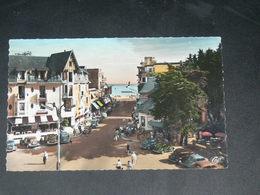 LA BAULE   1950  /   RUE      ....... EDITEUR - La Baule-Escoublac